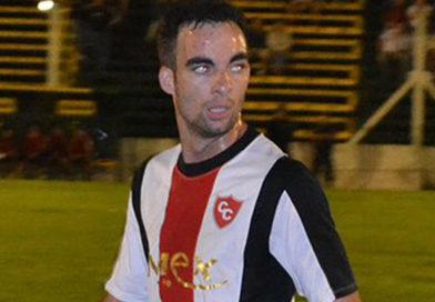 Emanuel Blanco le dio el triunfo a Carabelas ante Jorge Newbery