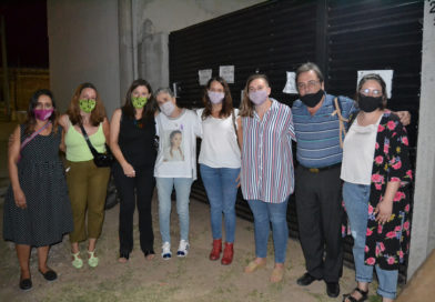 Estela Díaz, ministra de las Mujeres, Política de Género y Diversidad Sexual, visitó a los padres de Úrsula