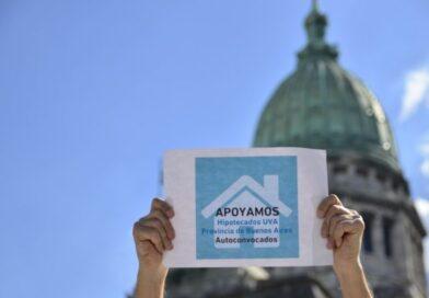 """Lanzan un salvavidas a deudores de créditos UVA: el BCRA """"vigilará"""" las cuotas"""