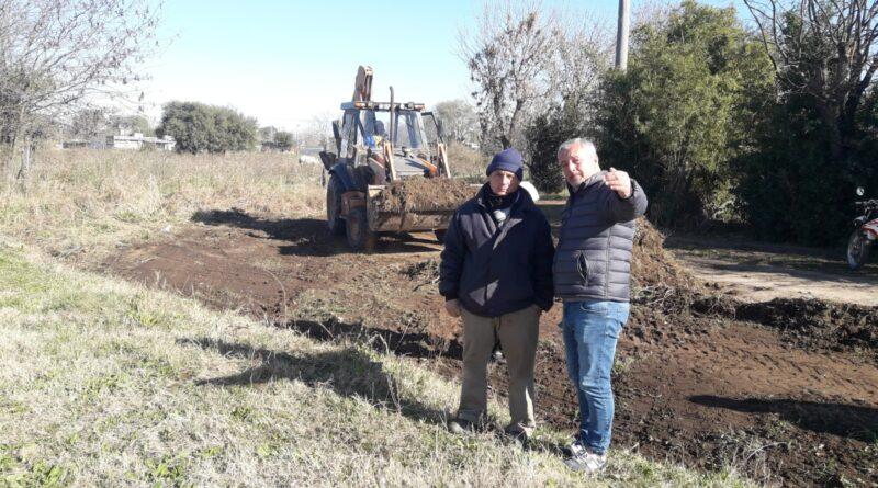 El Intendente Claudio Rossi adelanto nuevas calles de pavimento para los barrios.