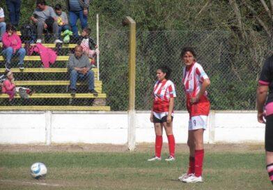 Claudia Acosta metió un triplete para la victoria de Juventud sobre Rafael Obligado