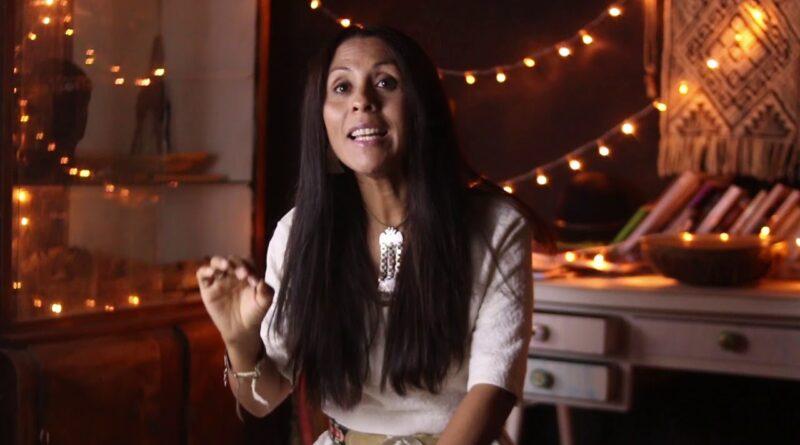 Carina Carriqueo visitó Rojas y brindo conceptos interesantes sobre lo que sucede con nuestros pueblos originarios