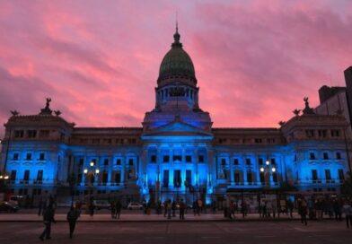 El Congreso se iluminó de azul para conmemorar el Día Nacional de las Personas Sordas