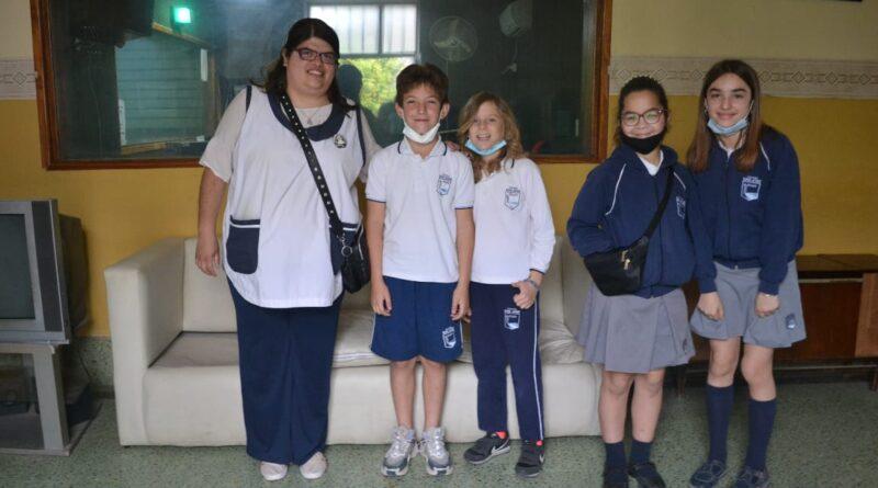 Chicos y chicas del Colegio San José lanzaron un proyecto para construir una pista de atletismo en Rojas