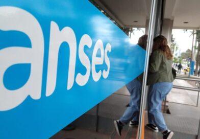 El Gobierno dispuso por decreto un bono mensual para las Asignaciones Familiares