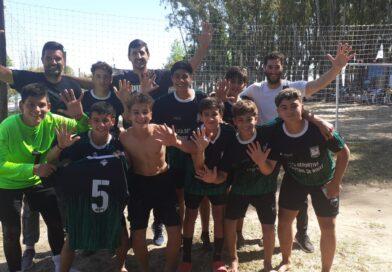 Enrique Morais y la alegría del pasaje a Mardel por parte de los equipos Sub-14 y Sub-16 de Fútbol Playa